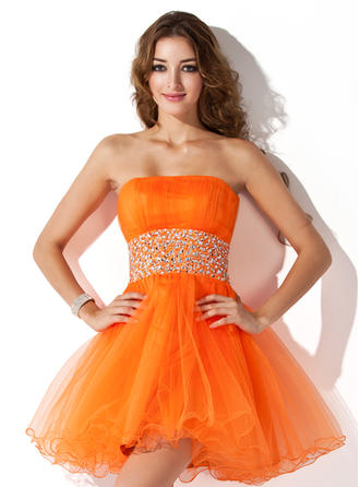 A-Line/Princess Strapless Short/Mini Tulle Homecoming Dresses With Ruffle Beading