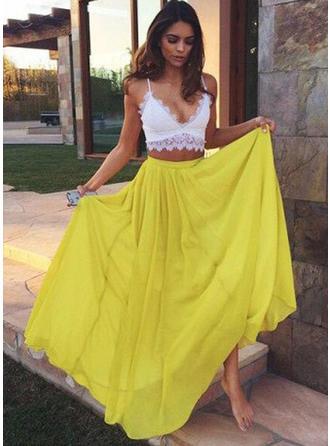 A-Line/Princess V-neck Floor-Length Prom Dresses With Lace