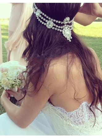 A-Line/Princess Sweetheart Court Train Wedding Dress With Appliques Lace