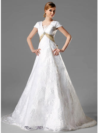 A-Line/Princess Sash Crystal Brooch Bow(s) Lace Chapel Train Three-dimensional Wedding Dresses