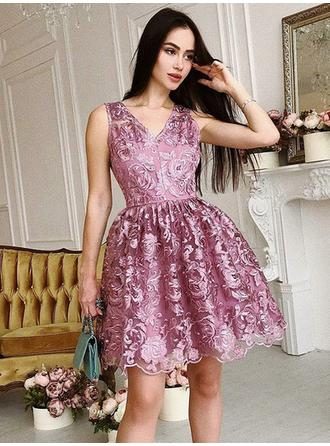 V-neck A-Line/Princess Lace Gorgeous Homecoming Dresses