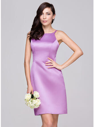 Sheath/Column Scoop Neck Knee-Length Satin Bridesmaid Dress