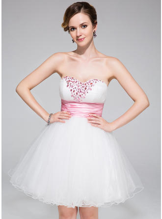 A-Line/Princess Sweetheart Short/Mini Tulle Homecoming Dresses With Ruffle Sash Beading