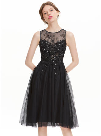 A-Line/Princess Scoop Neck Tulle Sleeveless Knee-Length Beading Homecoming Dresses