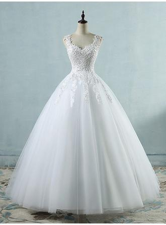 Luxurious Floor-Length Ball-Gown Wedding Dresses V-neck Tulle Sleeveless