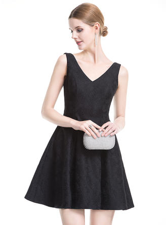 A-Line/Princess Lace Cocktail Dresses Bow(s) V-neck Sleeveless Short/Mini