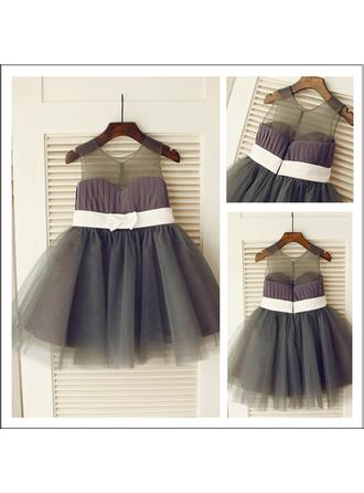A-Line/Princess Scoop Neck Knee-length With Sash Tulle Flower Girl Dresses