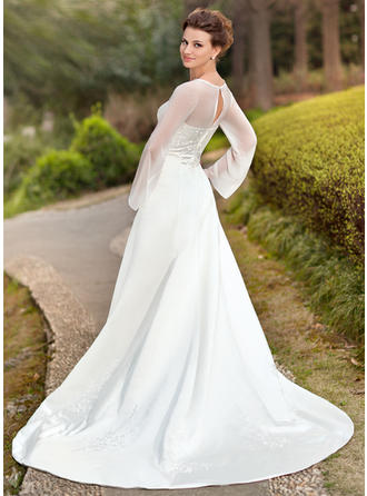 beach wedding dresses with lace sleeves