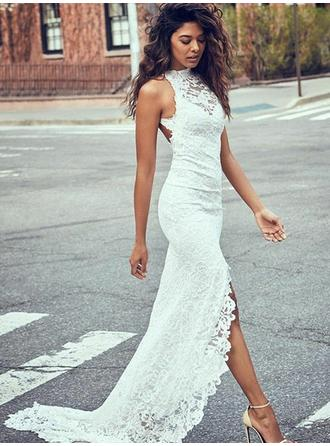 Scoop Trumpet/Mermaid Wedding Dresses Lace Split Front Sleeveless Sweep Train