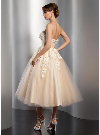 beautiful flowy wedding dresses