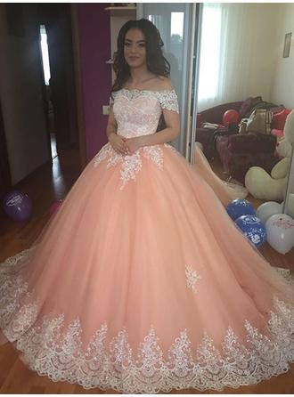 Sleeveless Ball-Gown Prom Dresses Off-the-Shoulder Lace Court Train