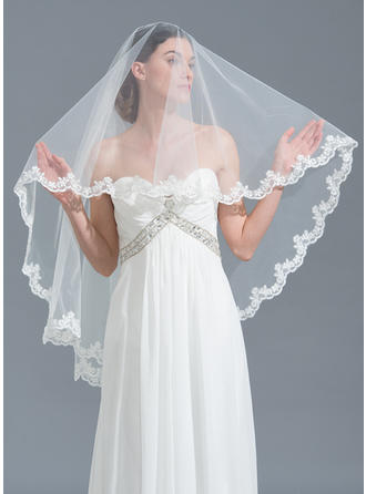 One-tier Lace Applique Edge Waltz Bridal Veils With Applique (006115472)