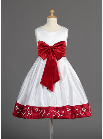 A-Line/Princess Scoop Neck Knee-length With Sash/Beading/Bow(s) Satin Flower Girl Dress