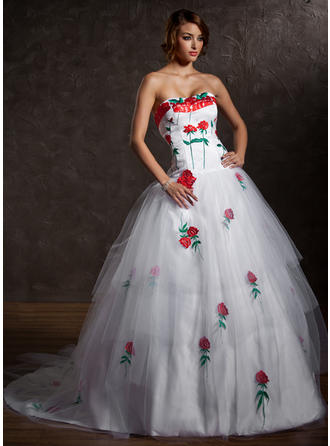 Ball-Gown Sweetheart Chapel Train Tulle Prom Dress With Appliques Lace Cascading Ruffles