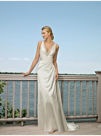 A-Line/Princess V-neck Sweep Train Wedding Dresses With Lace