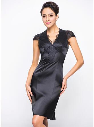 Sheath/Column V-neck Knee-Length Charmeuse Lace Cocktail Dress