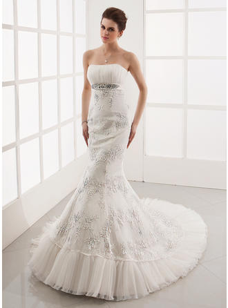 Trumpet/Mermaid Sweetheart Chapel Train Tulle Lace Wedding Dress With Ruffle Beading