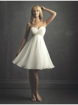 Empire Sweetheart Knee-Length Wedding Dresses With Ruffle Beading