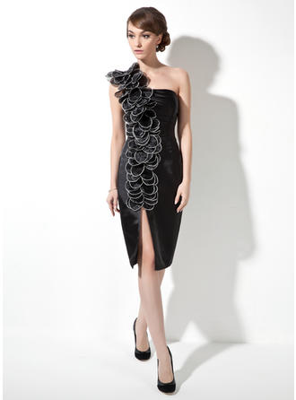 Sheath/Column One-Shoulder Knee-Length Cocktail Dresses With Ruffle Flower(s)