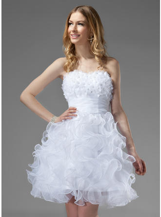 A-Line/Princess Sweetheart Knee-Length Organza Homecoming Dresses With Beading Flower(s) Cascading Ruffles