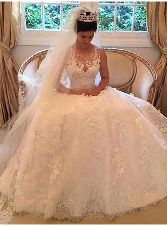 A-Line/Princess Scoop Court Train Wedding Dress With Appliques Lace