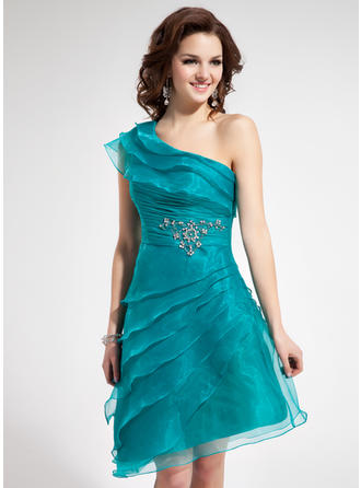 A-Line/Princess One-Shoulder Asymmetrical Organza Homecoming Dresses With Ruffle Beading