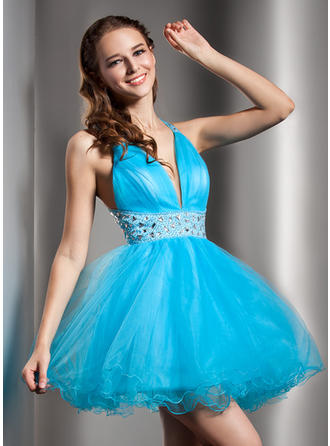 A-Line/Princess V-neck Short/Mini Tulle Homecoming Dresses With Beading