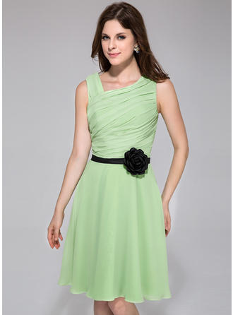 Chiffon Sleeveless A-Line/Princess Bridesmaid Dresses Ruffle Sash Flower(s) Knee-Length (007198071)