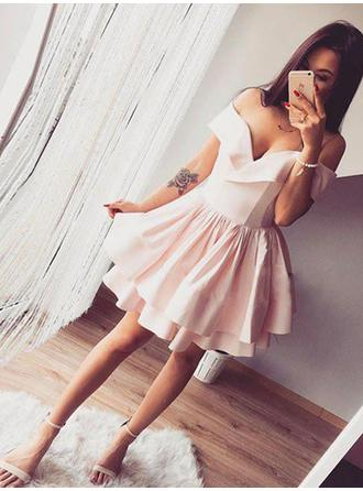 A-Line/Princess Ruffle Homecoming Dresses Off-the-Shoulder Short Sleeves Sleeveless Short/Mini