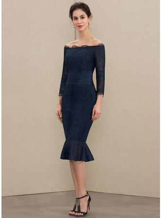 Trumpet/Mermaid Off-the-Shoulder Knee-Length Lace Mother of the Bride Dress