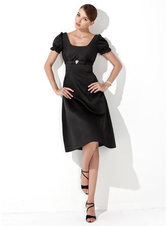 A-Line/Princess Square Neckline Knee-Length Bridesmaid Dresses With Ruffle Crystal Brooch