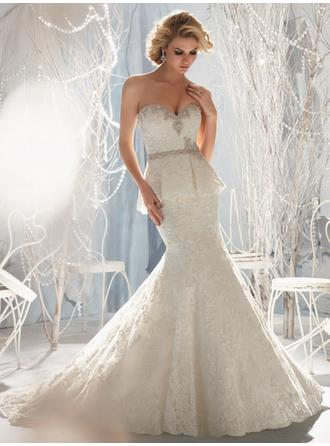 Trumpet/Mermaid Sweetheart Court Train Wedding Dresses With Beading Crystal Brooch