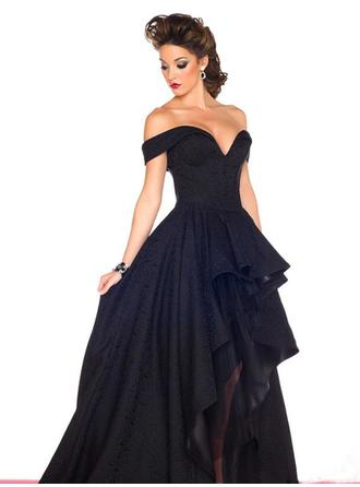 A-Line/Princess Off-the-Shoulder Chapel Train Evening Dresses With Ruffle