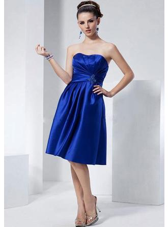Knee-Length Homecoming Dresses With Pleated
