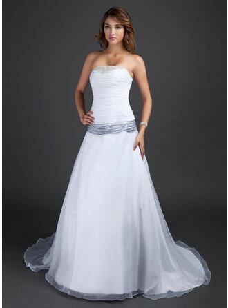 A-linjeformat Axelbandslös Court släp Organzapåse Bröllopsklänning med Rufsar Skärpband Beading