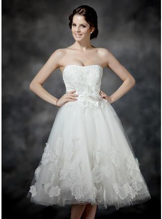 Corte A/Princesa Escote corazón Hasta la tibia Tul Vestido de novia con Volantes Encaje Bordado Flores Lazo(s)