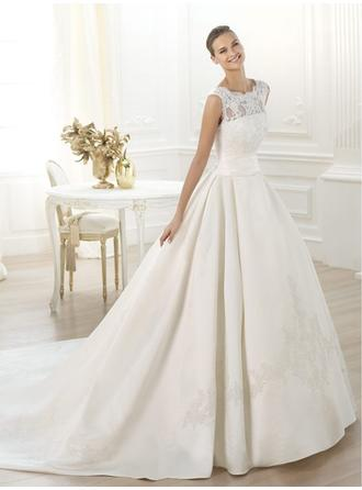 A-Line/Princess Scoop Cathedral Train Wedding Dresses With Lace
