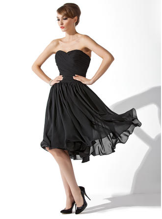 A-Line/Princess Sweetheart Chiffon Sleeveless Knee-Length Ruffle Cocktail Dresses
