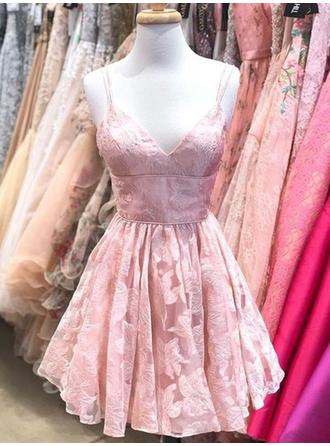 Ruffle V-neck Lace A-Line/Princess Homecoming Dresses