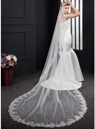 One-tier Lace Applique Edge Chapel Bridal Veils With Lace (006150922)