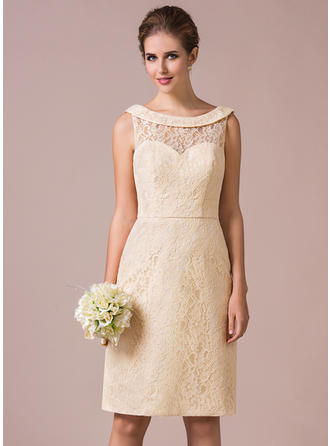 Lace Sleeveless Sheath/Column Bridesmaid Dresses Scoop Neck Knee-Length