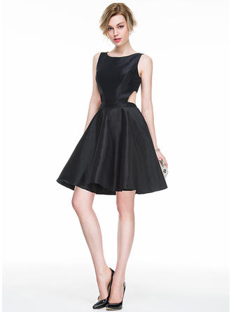 A-Line/Princess Taffeta Cocktail Dresses Scoop Neck Sleeveless Short/Mini