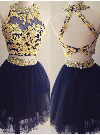 A-Line/Princess Scoop Neck Sleeveless Short/Mini Beading Appliques Lace Homecoming Dresses