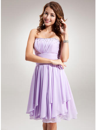 Empire Strapless Knee-Length Chiffon Homecoming Dresses With Ruffle Beading