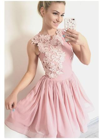 A-Line/Princess Chiffon Cocktail Dresses Appliques Lace Scoop Neck Sleeveless Short/Mini