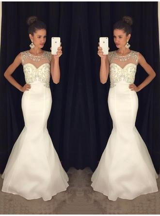 Sleeveless Trumpet/Mermaid Prom Dresses Scoop Neck Beading Sweep Train