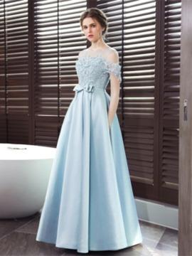 A-Line/Princess Scoop Neck Floor-Length Evening Dress With Appliques Lace Bow(s)