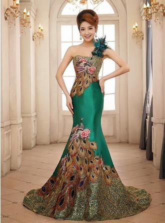 Trumpet/Mermaid One-Shoulder Sweep Train Satin Prom Dress With Embroidered Lace Feather