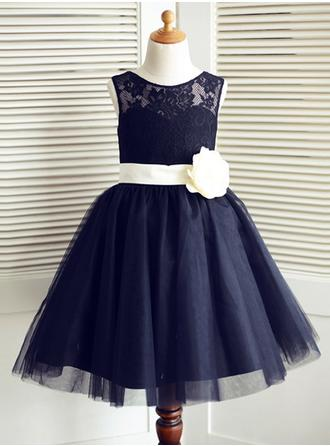 A-Line/Princess Scoop Neck Knee-length With Sash/Flower(s) Tulle/Lace Flower Girl Dress