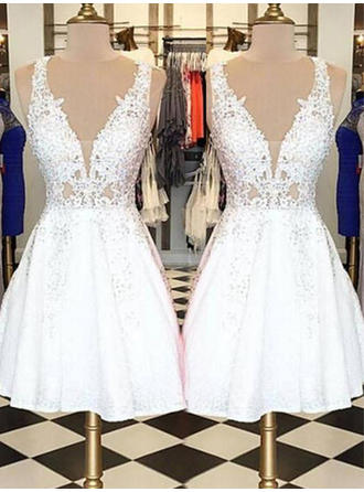 A-Line/Princess V-neck Sleeveless Short/Mini Appliques Lace Homecoming Dresses